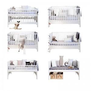 Växasäng av dansk design, spjälsängen kan göras om till växasäng, soffa, skötbord mm.